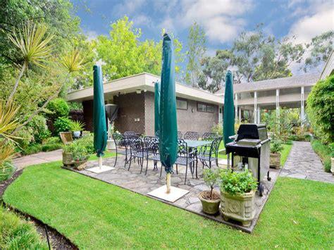 idee per giardini di casa piante e giardini idee per gli spazi all aperto casa it