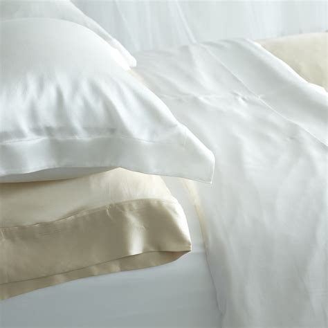 the health benefits of silk bedding