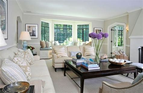 bay window living room how to utilize the bay window space