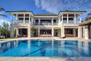 2 story house with pool 2 story u shaped house design three pronged attack this u shaped house design allows for a