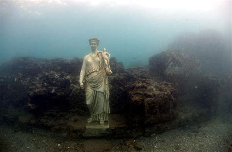 Bay of naples italy roman ruins world s most unique snorkeling