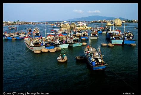 circular boat picture photo colorfull fishing boats note the circular