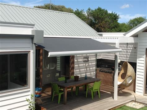 retracting awning full cassette retractable awning retractable awnings awnings melbourne awnings