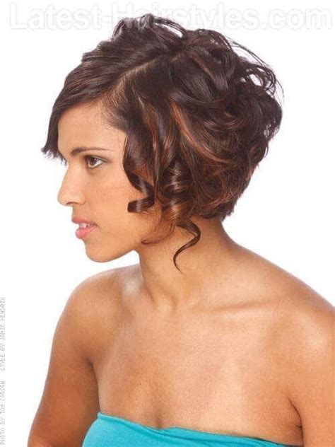 highlighted hair styles chin lenght natural curly hair how to curl a chin length bob hairstylegalleries com