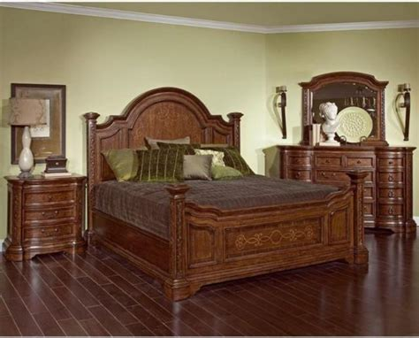 queen poster bedroom sets broyhill furniture lenora poster bed bedroom set queen or