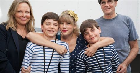 james taylor  family  taylor swift  pinterest swift taylors  taylor swift