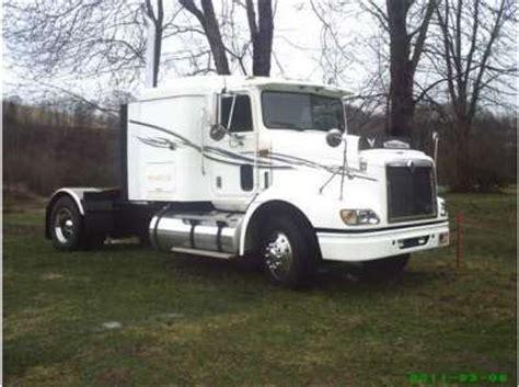 used single axle truck sleepers for sale sleeper trucks