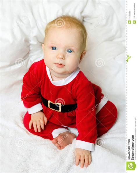 imagenes de bebes santa claus baby girl dressed as santa claus stock photo image 41599868