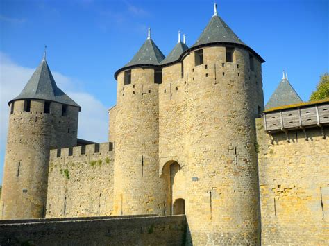 Castel Top top 10 most beautiful castles of