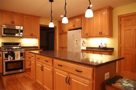 handyman kitchen cabinets kitchen remodeling handyman on call
