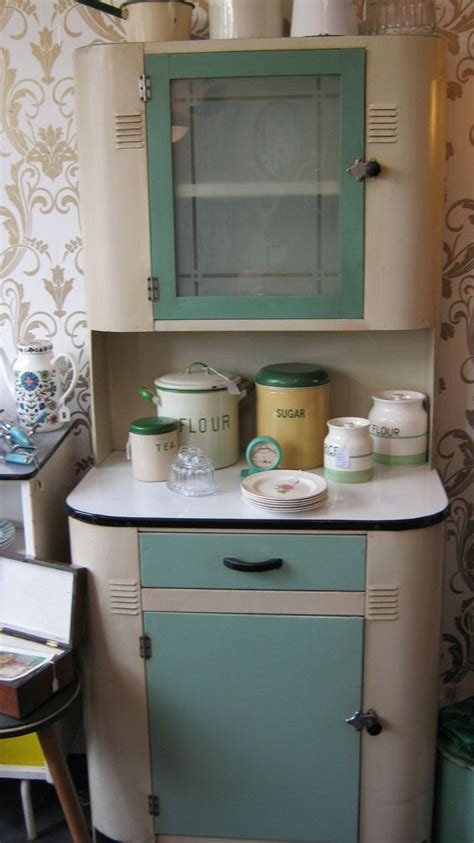 1940 s deco kitchen cabinet sooo love this