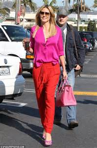 beach her colors were pink lots of pink with her love of the beach heidi klum joins the list of celebrities mixing up pink