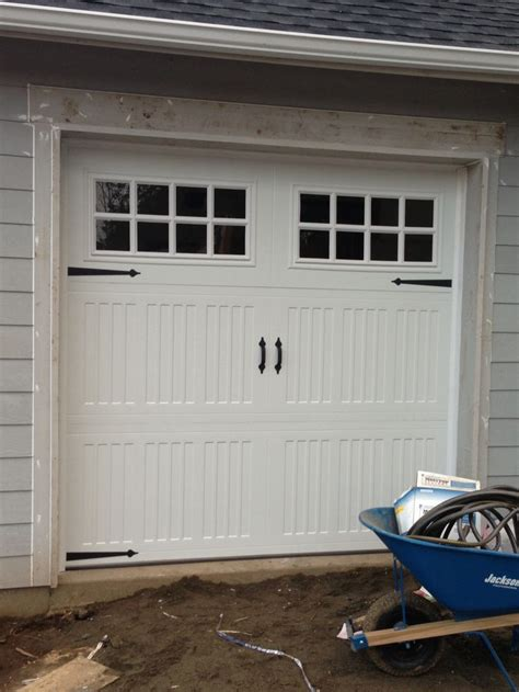 single garage door home