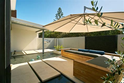 Elegant cantilever umbrella Image Ideas for Patio Modern