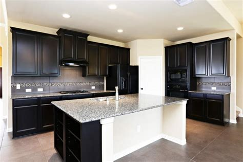 Black Kitchen Cabinets With Black Appliances by Kitchen Cabinets With Black Appliances Vlggzg Kitchen
