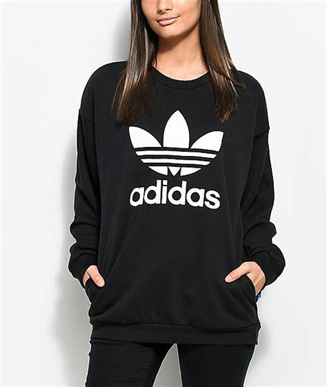 Lifeisgood Sweatshirt Black crewneck sweatshirt womens clothing