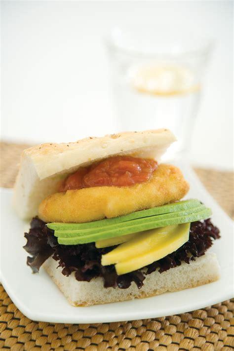 Chicken Burger Endura 600g tegel take outs crispy crumb chicken burgers 600g