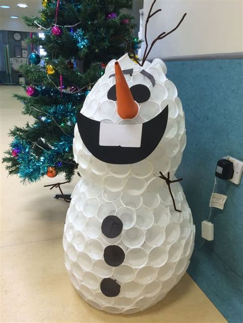 how to mske christmas ornaments with plastic cups best 25 plastic cup snowman ideas on decorating plastic cups coffee can snowman