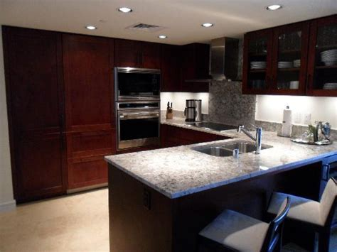 hotels with kitchens in waikiki waikiki hotels on the with kitchens images