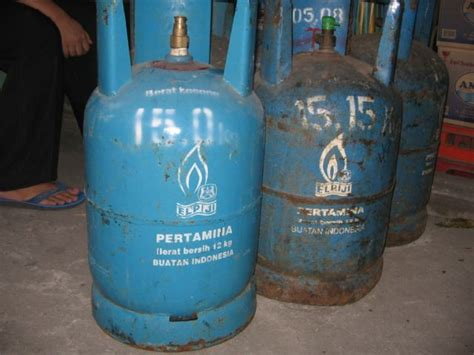 Kompor Yg Ada Ovennya perhatian bagi yg punya kompor gas ardhi hardiyan