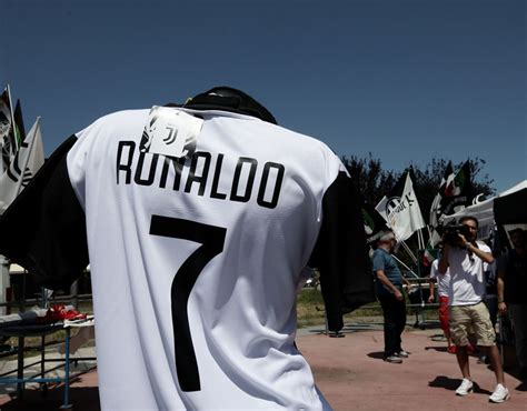 ronaldo juventus sleeve shirt cristiano ronaldo to juventus cr7 shirts for sale ahead of real madrid s arrival