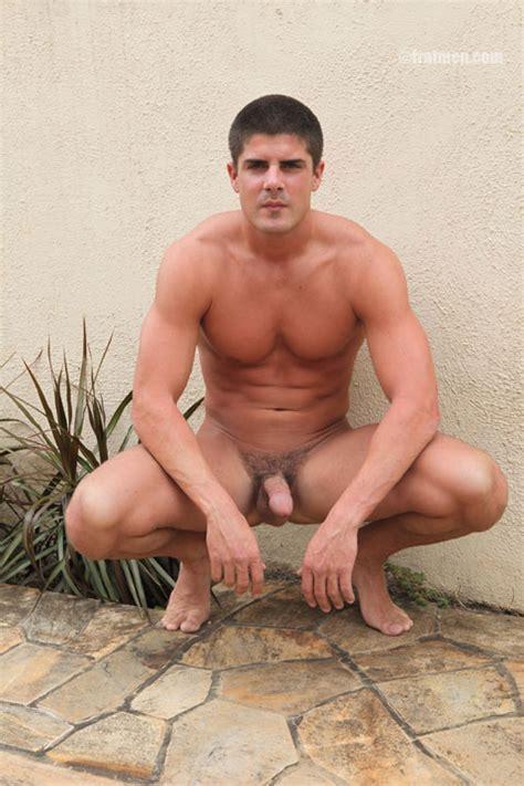 Handsome Muscle Men Posing Nude Gallery