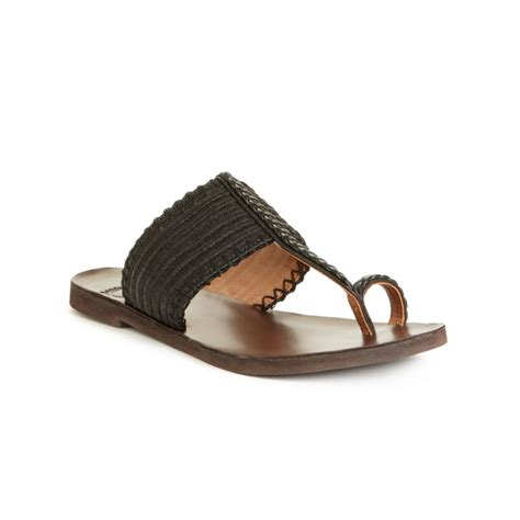 lucky brand sandals lyst lucky brand harmony flat sandals in black