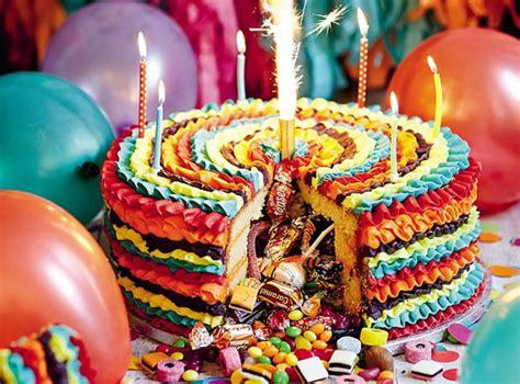 Lu Warna Warni inspirasi dari pinata meksiko cake warna warni berisi