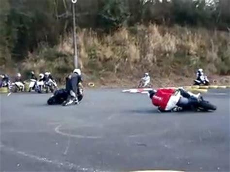 Lustige Motorrad Filme Videos by Knieschleifen Helmschleifen Ellbogen Schleifen