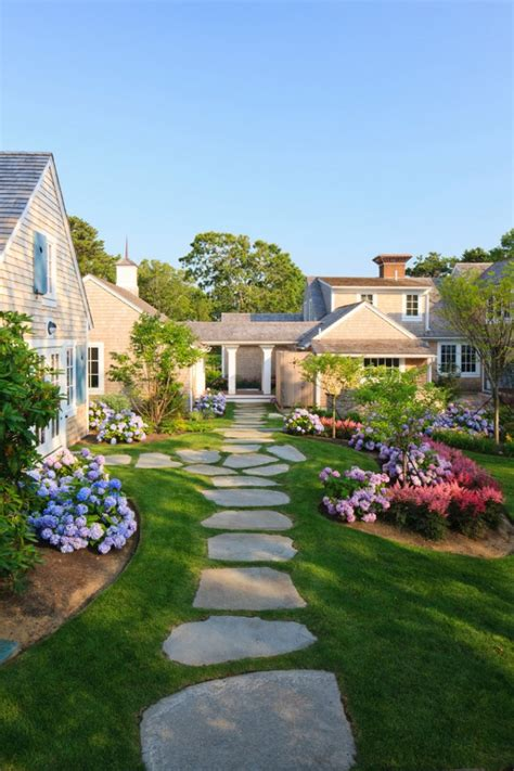 Traditional Garden Design Ideas Amazing Landscaping Ideas For Small Budgets Youramazingplaces
