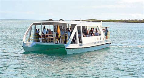 solar powered catamaran service arrives in the galapagos - Catamaran Solar Galapagos