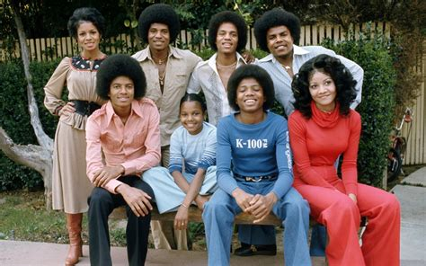 Biography Of Michael Jackson Family | michael jackson bio facts family career whoisbiography
