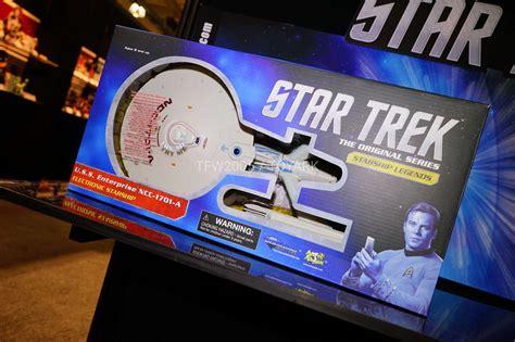 libro star trek official 2018 toy fair 2018 gallery diamond select toys sonic and star trek the toyark news