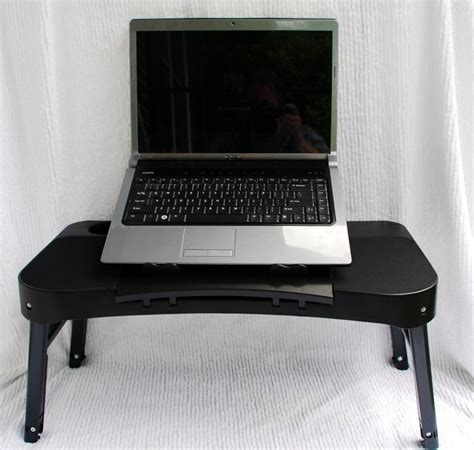 Lapdawg Pug Laptop Mini Table Review Updated The Gadgeteer Mini Laptop Desk