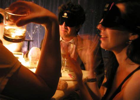 You Re Blind Dans Le Noir Paris Friendly Rentals Blog