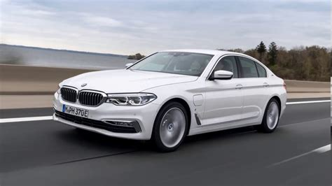 Bmw Serie 3 2019 Videos by 2019 Bmw 3 Series Interior Revealed Youtube
