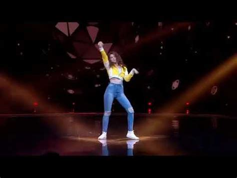 this amazing girl mastered dubstep dancing by youtube best dubstep dance amazing girl youtube