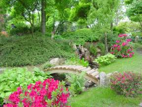 Flower Garden Designs For Small Spaces Garden Designs For Small Spaces Pictures Landscaping Gardening Ideas