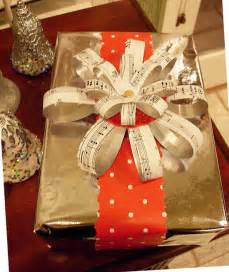 in their own style christmas decorating and gift wrap