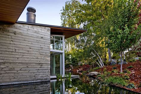 Sustainable House By The Pond Garden Water Feature Sustainable Retreat By The Pond In