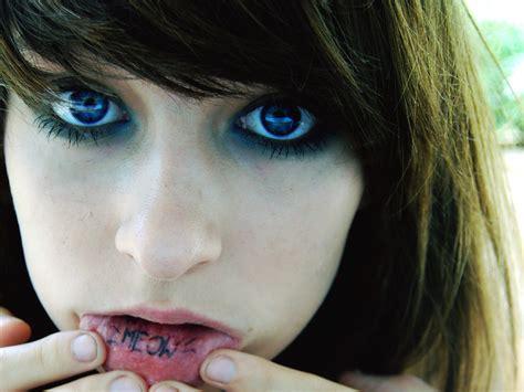 surprisingly shocking  lip tattoo designs entertainmentmesh