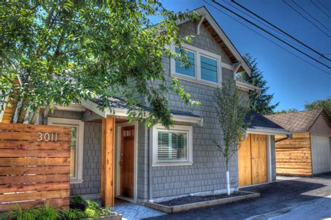 small house in a craftsman style laneway house lanefab small house bliss