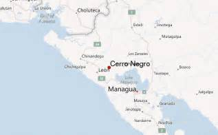 where is located on a map cerro negro mountain information