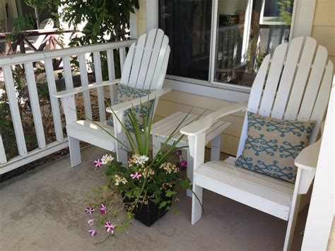 Front porch furniture casual cottage