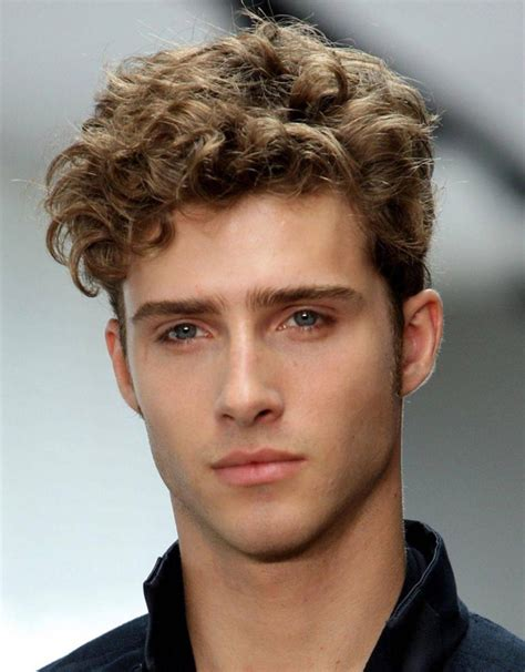 model rambut pria keriting pendek model rambut terbaru