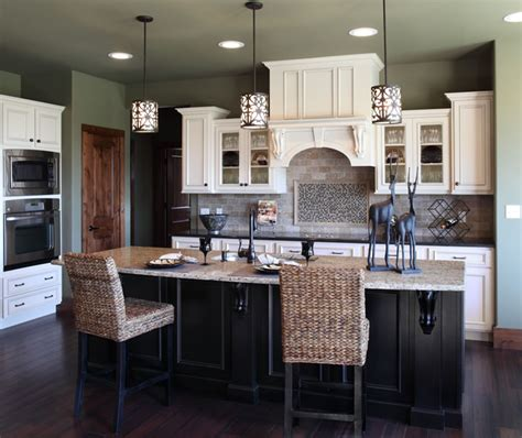 shiloh kitchen cabinets soft white with nickel glaze on maple island black with