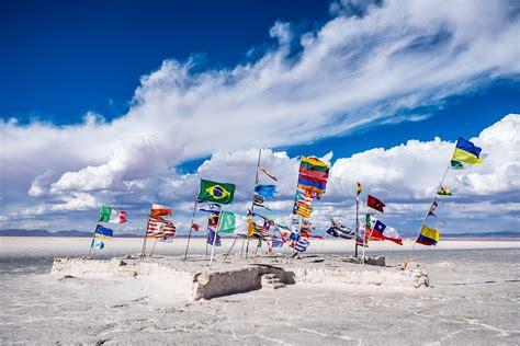salar de uyuni en bolivia salar de uyuni bolivia flags salt 183 free photo on pixabay