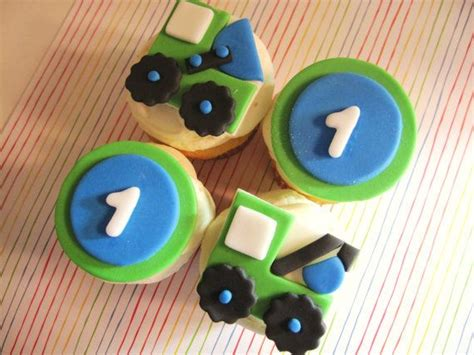 Cupcake Digger digger and dump truck cupcakes for a construction themed