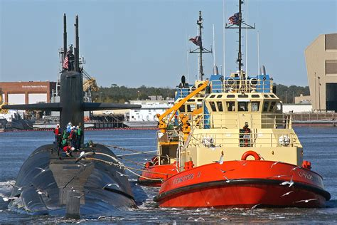 tractor tug boats for sale file tugboat c tractor 3 jpg wikimedia commons