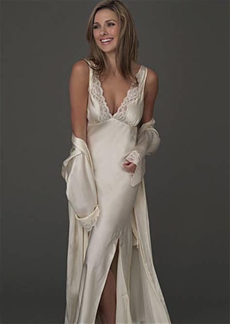 lingerie de satin 82 best peignoir sets and more images on pinterest satin